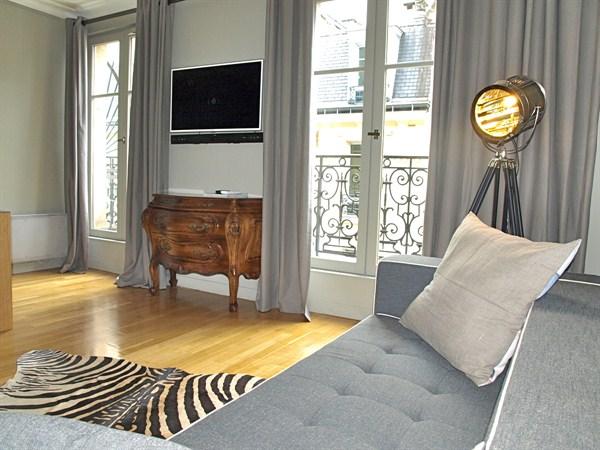 Luxury 2 bedroom apartment along avenue de wagram paris - Salon wagram paris 17 ...