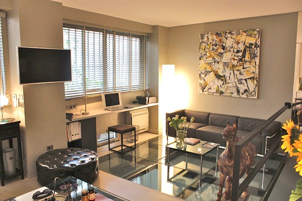 luxury duplex for 2 situated just steps from Rue Mouffetard in the ...