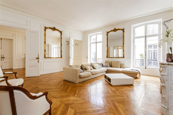 Prestigious 2152 Sq Ft Apartment Between Concorde And