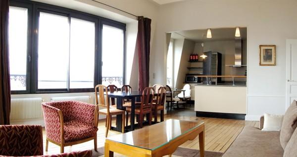 Appartement 3 pi ces avec vue sur paris louer meubl l for Location appartement meuble sur paris