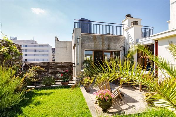 Appartement de prestige de 3 chambres avec jardin et vue for Cherche appartement avec terrasse