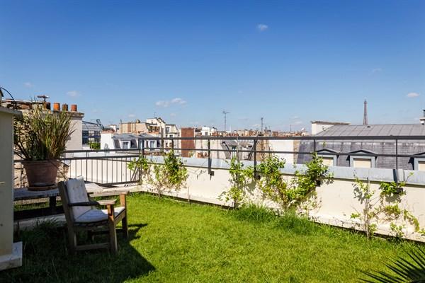 Appartement de prestige de 3 chambres avec jardin et vue for Cherche appartement avec jardin