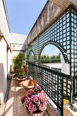 Appartement de prestige de 3 chambres avec jardin et vue saint placide paris 6 me le jardin - Location meublee temporaire paris ...