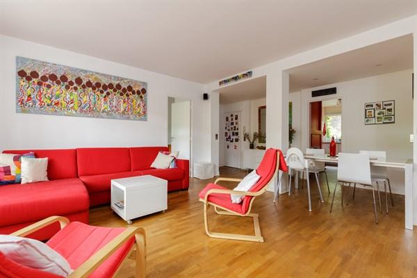 appartement familial de 3 chambres avec terrasse en face de montsouris paris 14 me montsouris. Black Bedroom Furniture Sets. Home Design Ideas