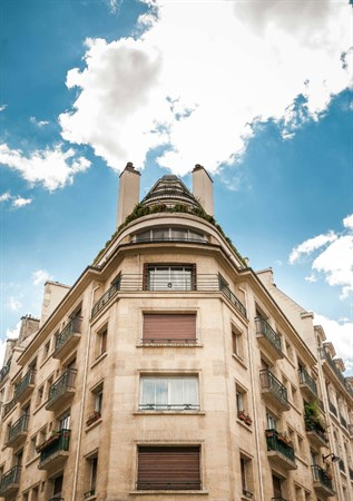 magnifique appartement avec 2 chambres doubles dans le triangle d 39 or paris 8 me bassano l. Black Bedroom Furniture Sets. Home Design Ideas