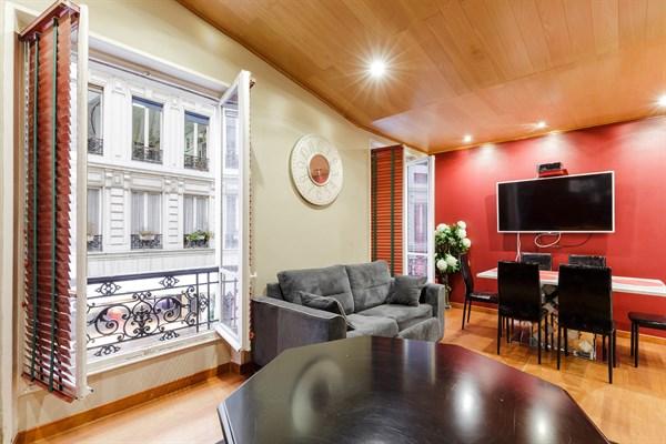 Magnifique appartement de 2 pi ces sur les champs elys es triangle d 39 or paris 8 me lincoln - Location meublee temporaire paris ...