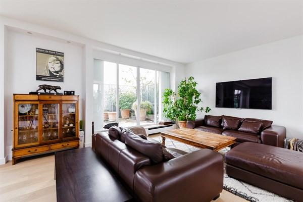Appartement Design De Haut Standing De  Pices Sur  M