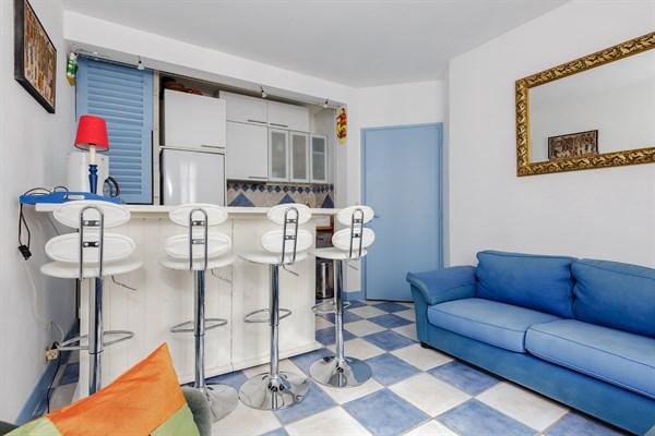 3 pi ces familial au coeur du quartier didot jonquoy l. Black Bedroom Furniture Sets. Home Design Ideas