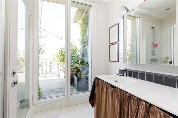 Appartement De Luxe De  Chambres Et Immense Terrasse Vue