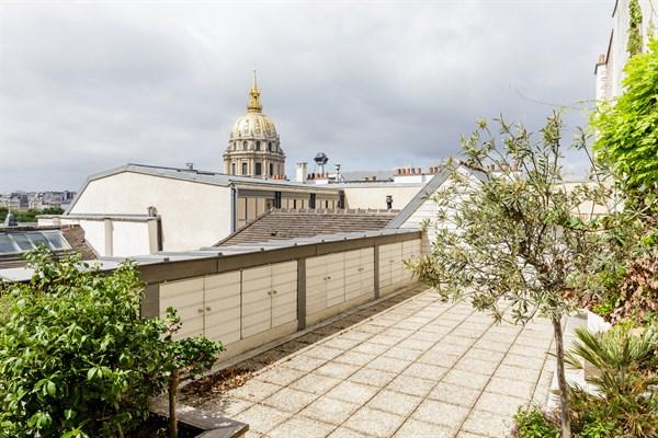 Magnifique Triplex Avec  Chambres Et Terrasse Au Pied Des Invalides