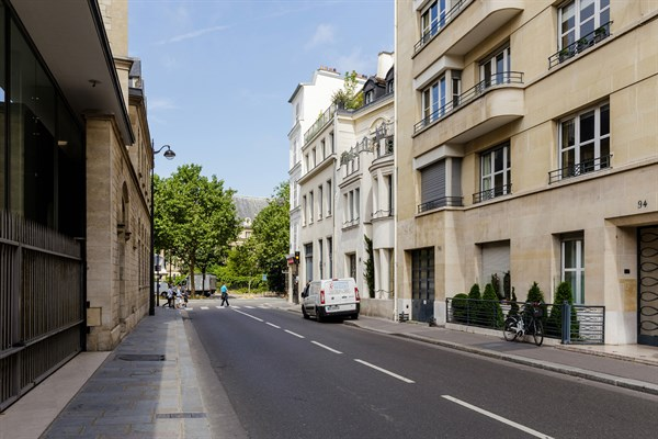 Magnifique triplex avec 3 chambres et terrasse au pied des - Chambre d hote paris 7eme arrondissement ...