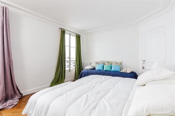 Appartement familial de standing avec 2 chambres pour 5 for Location appartement design