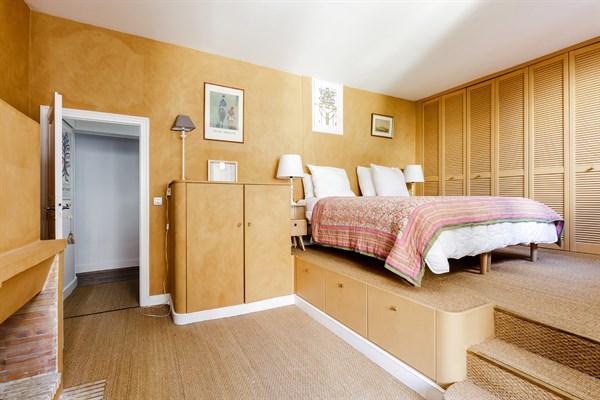 Appartement familial de standing avec 2 chambres pour 5 for Chambre au mois paris