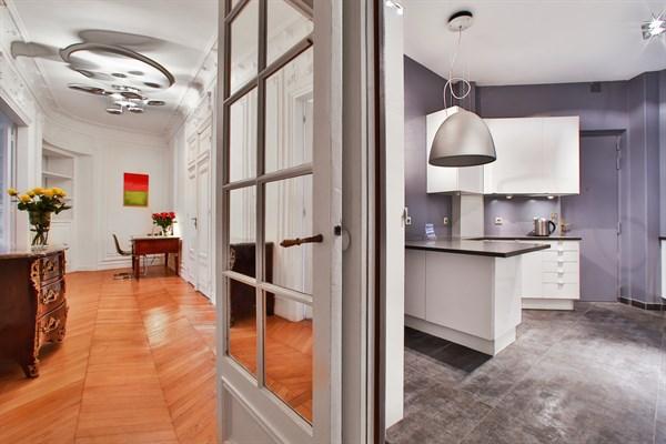 Appartement de luxe de 3 chambres avec vue tour eiffel et balcon paris 7 me le belgrade v l - Location paris 3 chambres ...