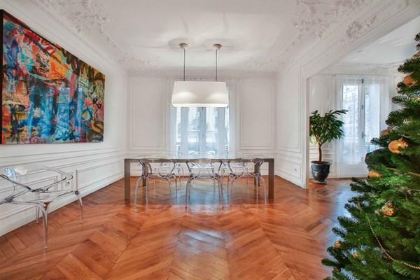 Appartement grand luxe de 3 chambres doubles en face du champ de mars paris 7 me le belgrade - Location paris 3 chambres ...