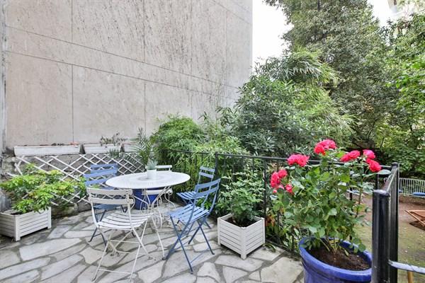 Location Meublée Mensuelle Du0027un Appartement De 3 Chambres Avec Jardin Et  Terrasse à Montparnasse Paris 15ème