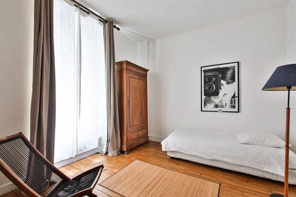 Location Meublée Mensuelle Du0027un Appartement De 3 Chambres Avec Jardin Et  Terrasse à Montparnasse Paris 15ème Idees Impressionnantes