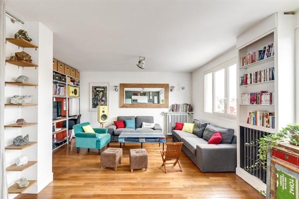 Location meublée mensuelle dun f4 avec 3 chambres et balcon à la garenne colombes