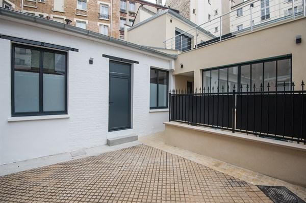 Grand loft au style indus avec 2 chambres rue saint - Location chambre paris courte duree ...