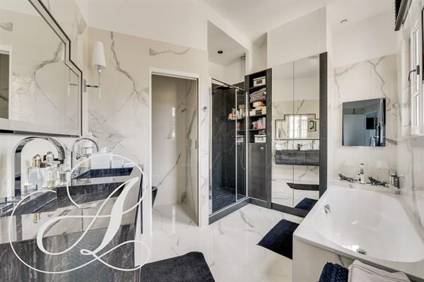 Marigny magnifique appartement de 2 chambres avenue - Location chambre paris courte duree ...