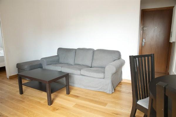 splendide appartement de 3 pi ces tr s moderne sur la place bienvenue paris 14e l 39 arriv e l. Black Bedroom Furniture Sets. Home Design Ideas