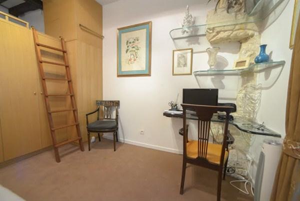 appartement de haut standing de 3 pi ces tr s atypiques situ rue bonaparte paris 6e le. Black Bedroom Furniture Sets. Home Design Ideas