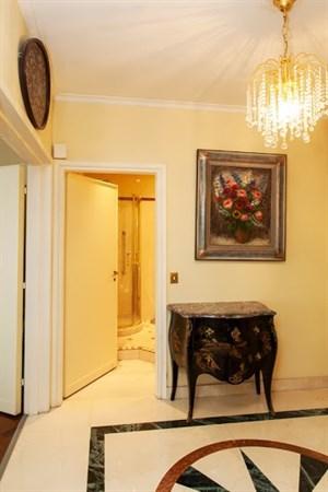 Prestigieux appartement 2 pi ces avec terrasse avenue montaigne paris viii le montaigne l - Agence location meublee paris ...