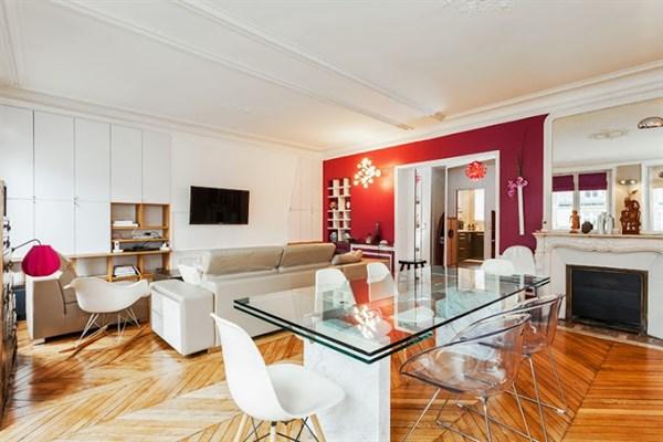 Appartement de standing avec 2 chambres et un balcon for Chambre a la semaine paris