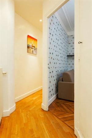 Appartement de standing avec 2 chambres et un balcon - Louer son appartement meuble a la semaine ...