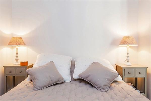 Bel appartement de 2 pi ces l 39 allure raffin e pour 2 ou - Location meuble au mois bordeaux ...
