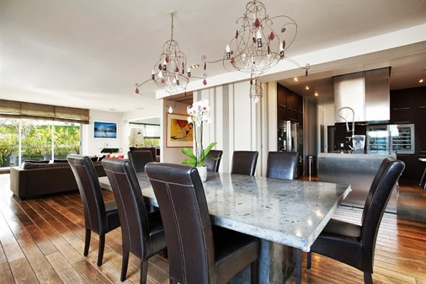 Appartement de prestige avec 2 chambres une immense for Appartement f3 design