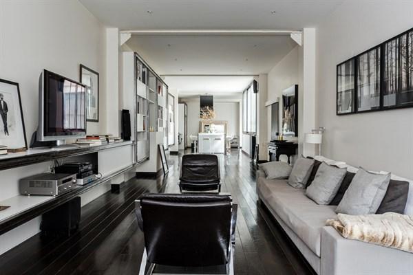 Loft d 39 exception avec 1 chambre louer en courte dur e for Appartement loft paris