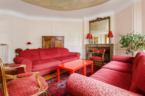 appartement de prestige 4 chambres et balcon filant rue de l 39 universit paris 7 me l. Black Bedroom Furniture Sets. Home Design Ideas