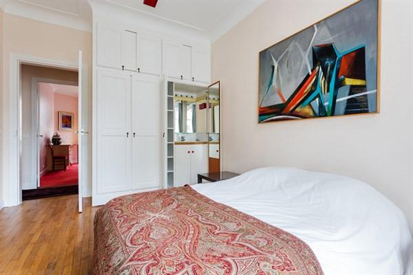Appartement de prestige 4 chambres et balcon filant rue - Chambre d hote paris 7eme arrondissement ...