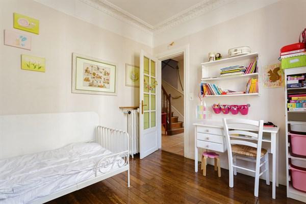 Maison familiale de standing avec 4 chambres et un spacieux jardin montrouge le chopin l - Location meublee temporaire paris ...