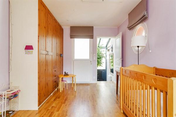 maison familiale de standing avec 4 chambres et un spacieux jardin montrouge le chopin l. Black Bedroom Furniture Sets. Home Design Ideas