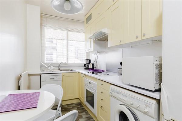 Bel appartement de 2 pi ces moderne avec terrasse - Paris location meublee courte duree ...