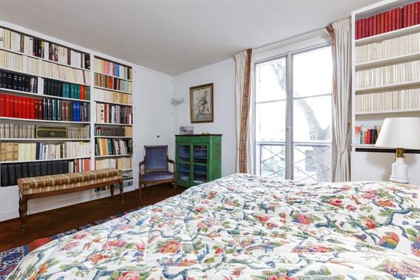 Magnifique appartement avec 2 chambres doubles saint for Chambre au mois paris