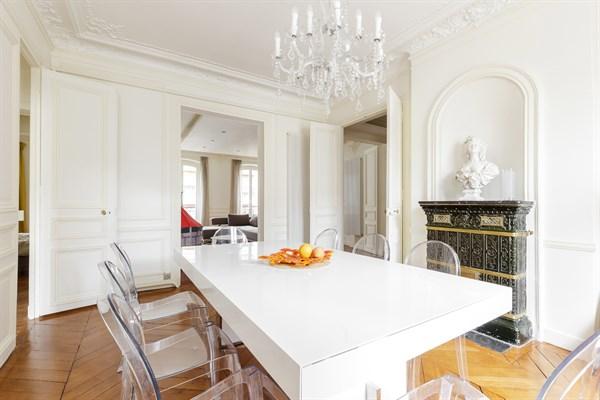 Appartement de prestige de 3 chambres typiquement haussmannien paris 8 me artois l 39 agence de - Agence location meublee paris ...