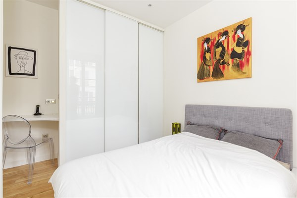 location appartement luxe paris courte dur e. Black Bedroom Furniture Sets. Home Design Ideas