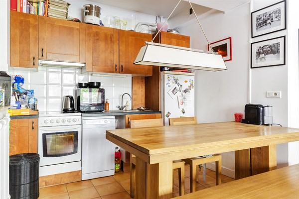 duplex atypique de 3 chambres la d coration raffin e dans le quartier latin paris 5 me le. Black Bedroom Furniture Sets. Home Design Ideas