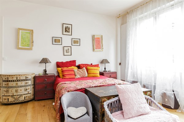 Duplex atypique de 3 chambres la d coration raffin e for Chambre quartier latin