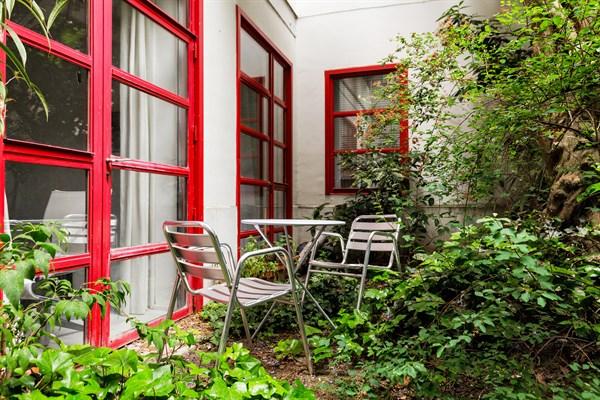 Maison De Luxe Rue Mouffetard Avec Jardin Dans Le Quartier Latin