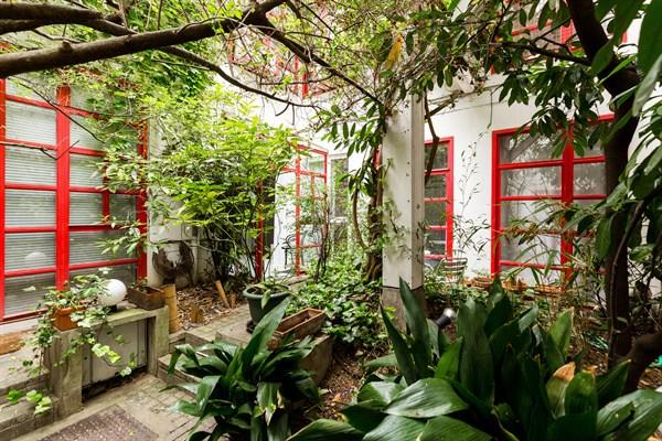 Maison de luxe rue Mouffetard avec jardin dans le quartier Latin ...