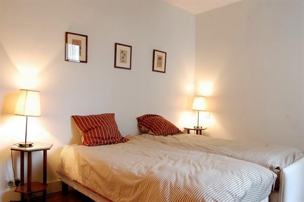 Appartement 3 pi ces avec vue sur paris louer meubl l for Appart hotel paris location au mois