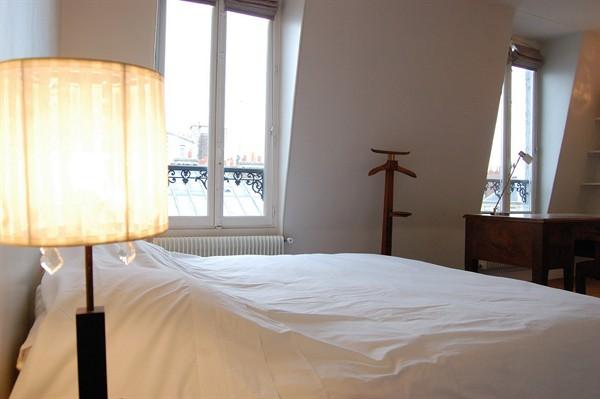 appartement 3 pi ces avec vue sur paris louer meubl l 39 observatoire l 39 agence de paris. Black Bedroom Furniture Sets. Home Design Ideas