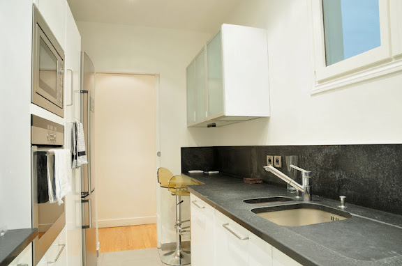 Appartamento con 4 magnifiche camere nella celebre via de berri berri l 39 agence de paris - Camere da bagno ...