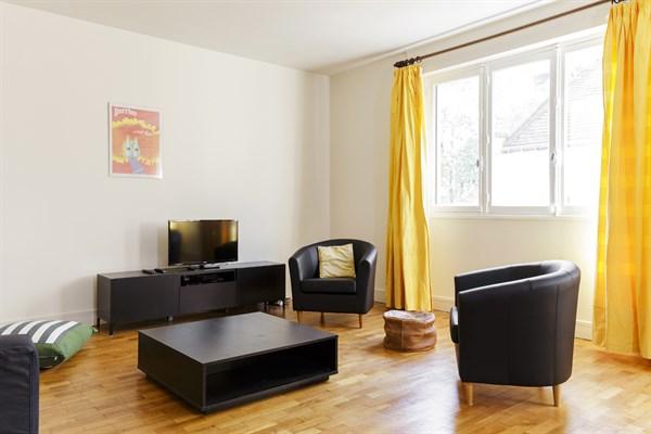 Lessico Camera Da Letto Francese : Appartamento di stanze dal design ed arredamento moderno nel